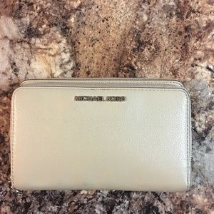 MIchael Kors double zip wallett